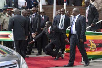 AP2015-Robert-Mugabe-Falling